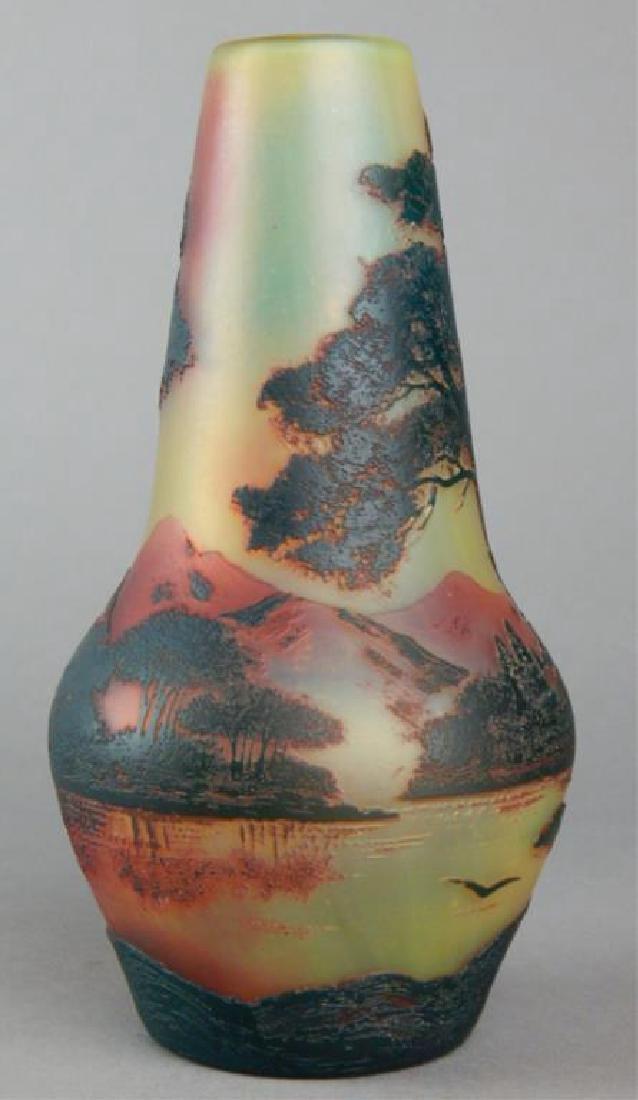 De Vez Cameo Art Glass Vase - 3