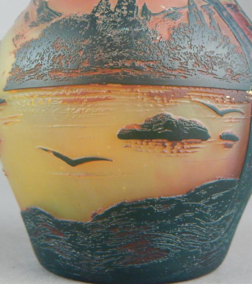 De Vez Cameo Art Glass Vase - 9