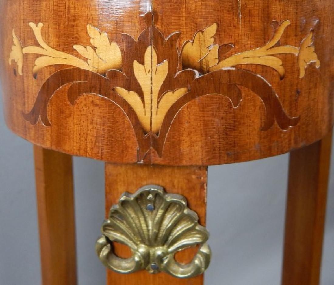 Clover Shaped Marquetry Stand with Shelf - 4