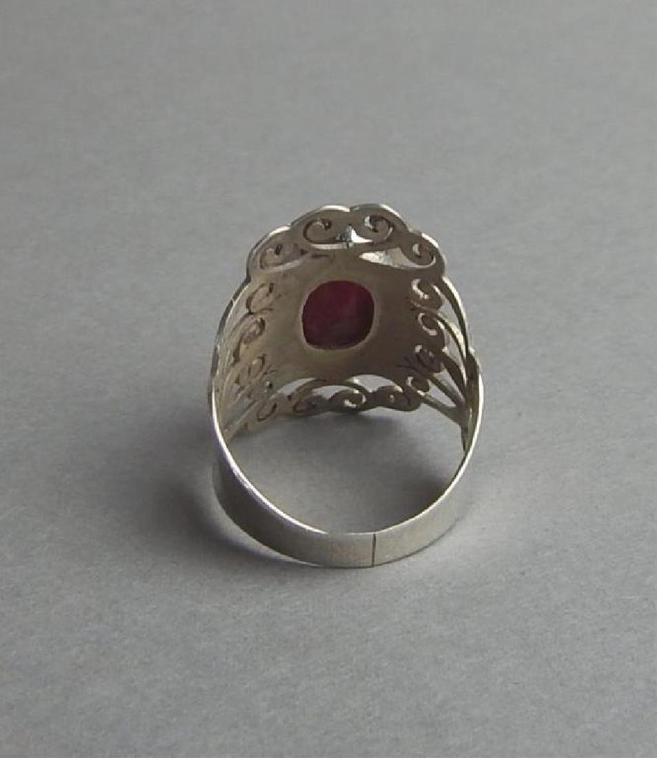 Breathtaking 4.85 Ct Ruby and Silver Ring - 3
