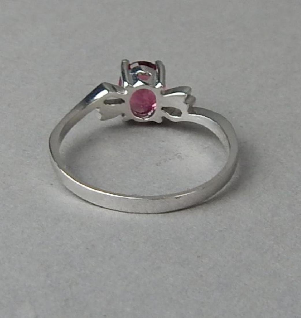 18K White Gold Pink Sapphire Ring - 4