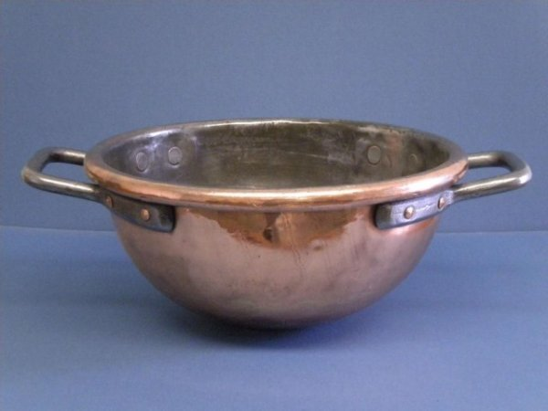 19: A20-3 OLD COPPER CANDY POT