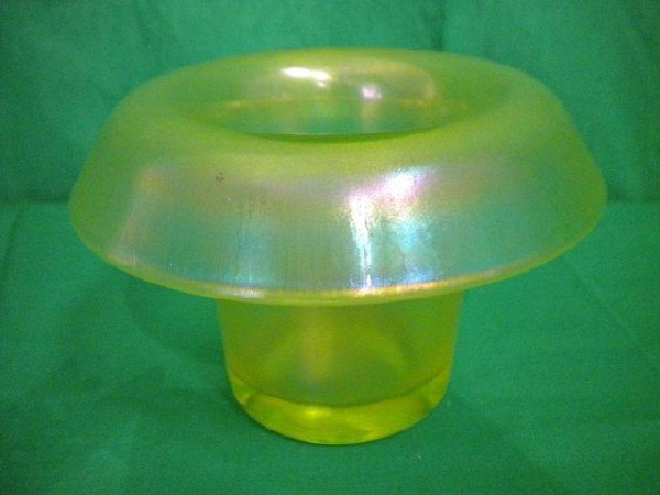 1016: A8-30 VASELINE GLASS