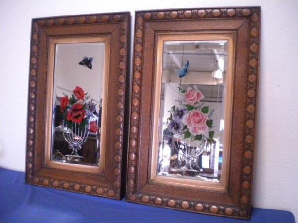 1020: C1-18 PAIR FLORAL REVERSE PAINTED & ETCHED MIRROR
