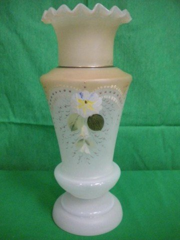 1258: A8-22 CIRCA 1910 FRENCH OPALINE VASE