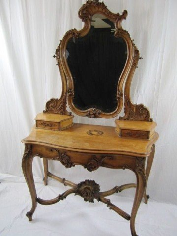 532: A32-23 ORNATELY CARVED DRESSING TABLE
