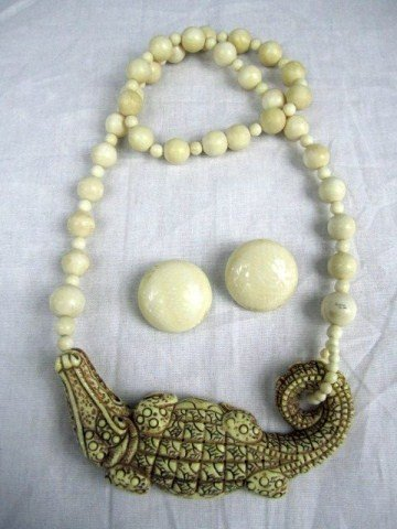 524: C36-5 CARVED IVORY CROCODILE NECKLACE & EARRINGS
