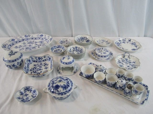 1: A35-1 LOT OF 42 PIECES OF MEISSEN CHINA