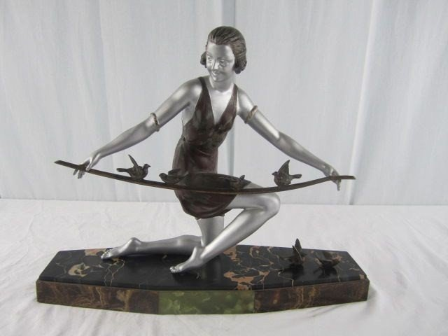 504: A31-16 ART DECO FIGURINE
