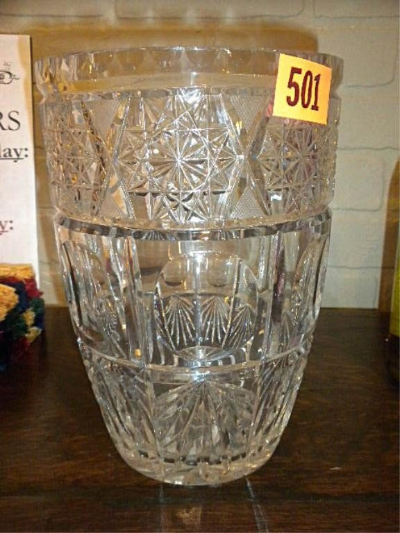 501: (NV1099) CUT CRYSTAL VASE