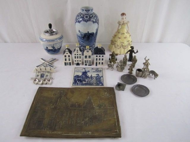 2: A1-41 ASSORTED LOT OF 27 DUTCH ITEMS