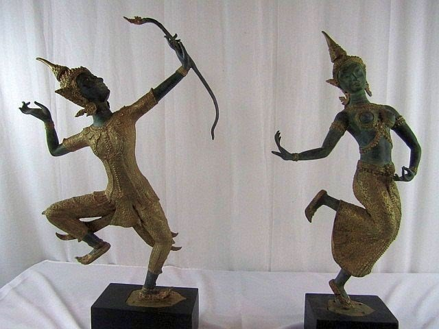 18: A1-25 PAIR OF LADY & MAN DANCING FIGURES