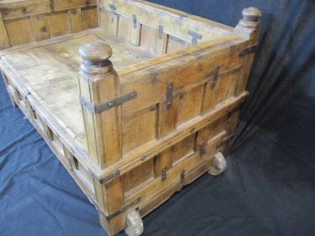 687A: D34-1 RUSTIC HOPE CHEST / BENCH ON WHEELS - 2