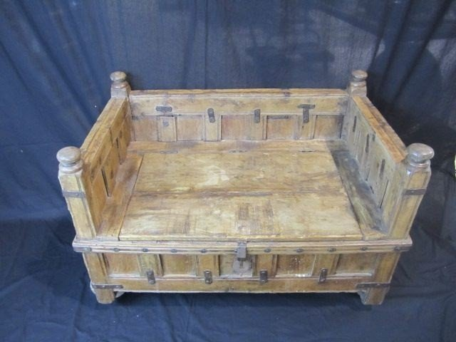 687A: D34-1 RUSTIC HOPE CHEST / BENCH ON WHEELS - 4