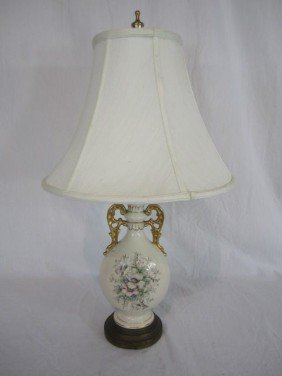 5: C80-18  PORCELAIN FLORAL TABLE LAMP