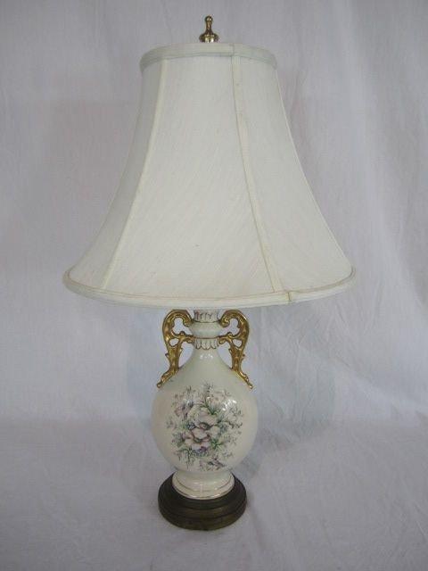 5: C80-18  PORCELAIN FLORAL TABLE LAMP