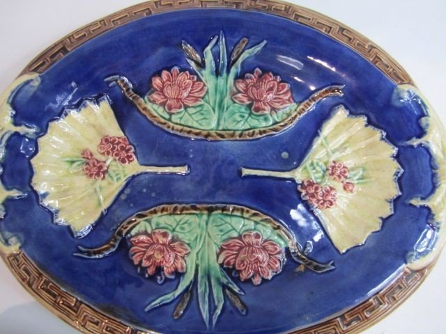 9: C93-60  TWO MAJOLICA PLATES - 4