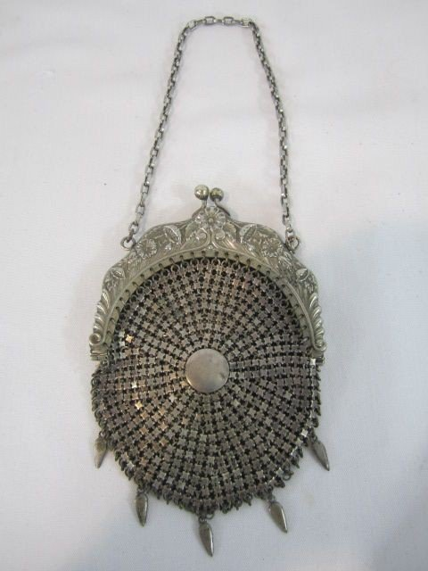 21: A45-38  GERMAN SILVER PURSE