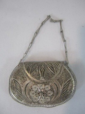 22: A45-40  CHINESE FILIGREE SILVER PURSE