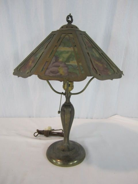 88: A45-27  SIGNED PAIRPOINT REVERSE PAINTED LAMP