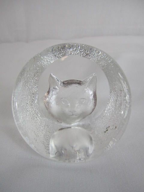 518: C48-10  CRYSTAL CAT PAPERWEIGHT
