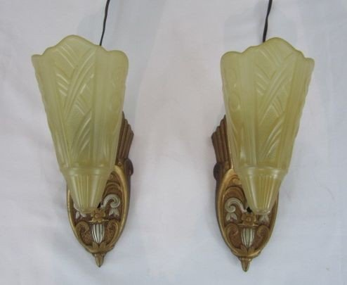 521: D65-2  PAIR OF WALL SCONCES