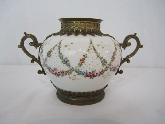 5: A4-5  LIMOGES HAND PAINTED VASE