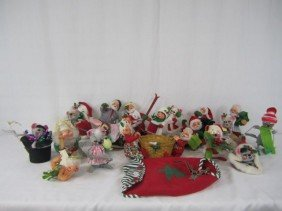 D31-16  LOT OF 21 VINTAGE ANNALEE DOLLS