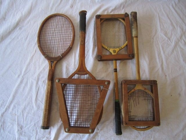 23: D50-23  LOT OF 4 VINTAGE TENNIS RACQUETS