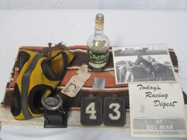 24: D50-24  VINTAGE HORSE RACING ITEMS