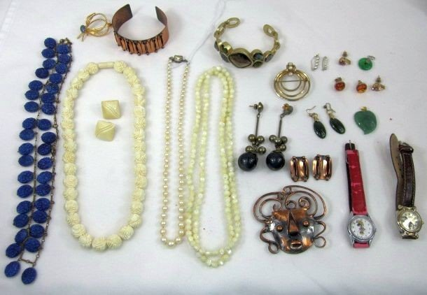 32: D99-3  LOT OF 27PCS. ASSORTED JEWELRY
