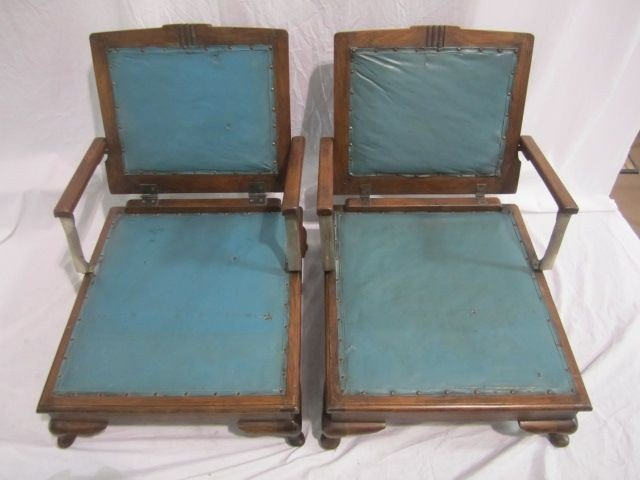 253: A35-1  PAIR OF LOW VINTAGE FOLDING CHAIRS