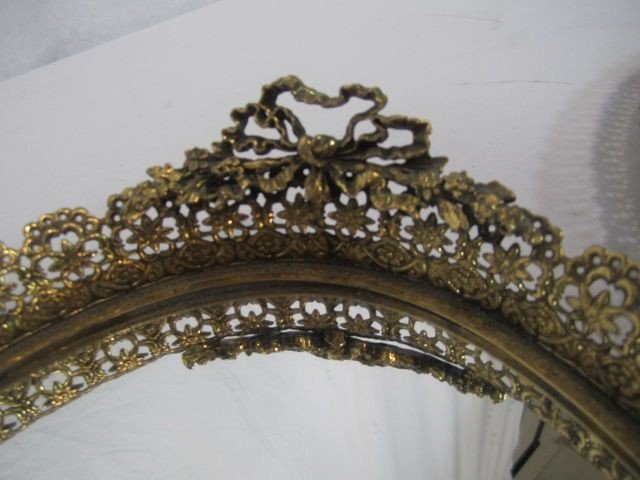 43: C98-7  LOT OF TWO OVAL VANITY MIRRORS - 4