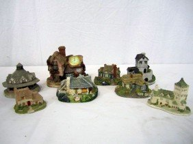 D18-1  LOT OF 8 ASSORTED COTTAGES