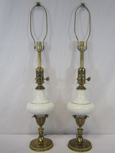 526: F14-18  PAIR OF WHITE GLASS LAMPS
