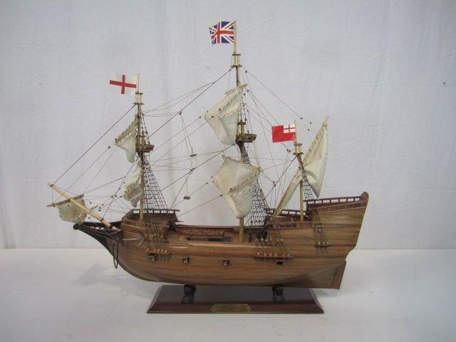 520: C98-25  MAYFLOWER WOODEN MODEL SHIP