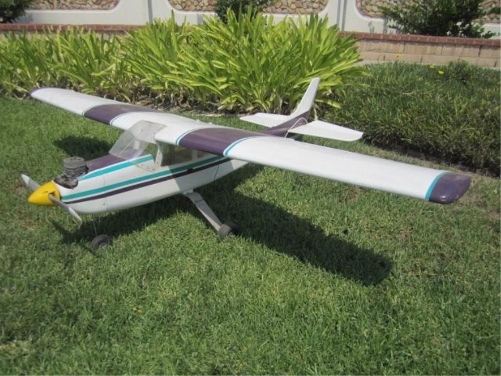 34: C98-30  TRAINER AIRPLANE