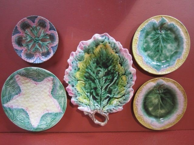 10A: F58-1  LOT OF 5 ASSORTED MAJOLICA PLATES