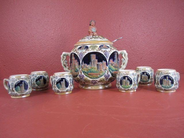 113: A22-8  PUNCHBOWL WITH 6 CUPS & LADLE