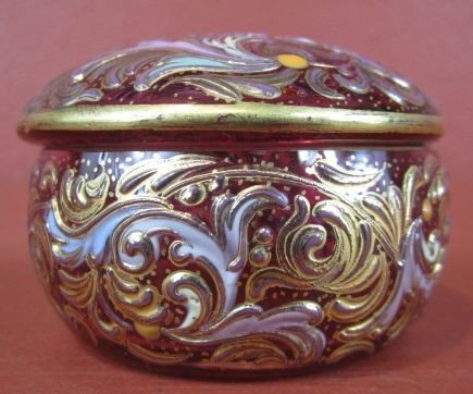 515: A9-15  ANTIQUE MOSER JEWELRY BOX