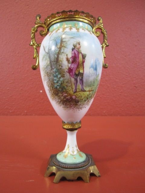 18: F98-21  SEVRES STYLE HAND PAINTED PORCELAIN URN