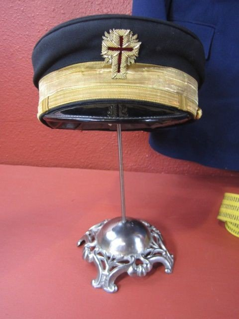 676: A32-12  RUSSIAN AIR FORCE UNIFORM & TWO HATS - 5
