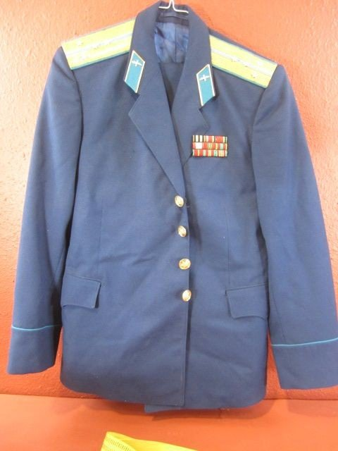 676: A32-12  RUSSIAN AIR FORCE UNIFORM & TWO HATS - 7