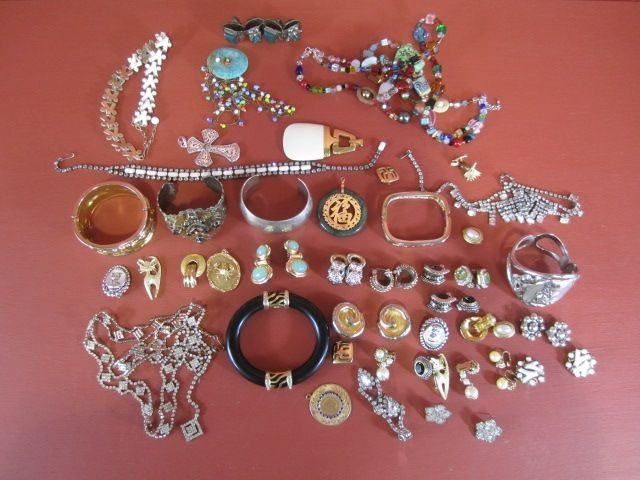 23: G58-1  BOXED LOT OF COSTUME JEWELRY