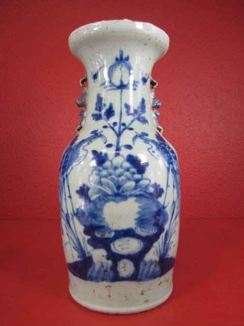 47: A55-22  CHINESE BLUE & WHITE VASE