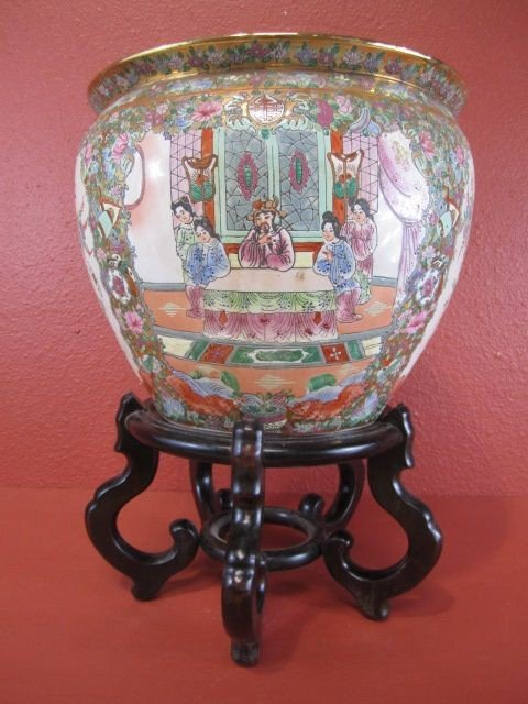153: E5-3  CHINESE PLANTER ON STAND