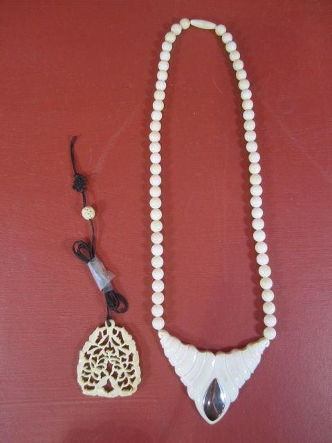 73: E10-10  IVORY NECKLACE & IVORY CARVING