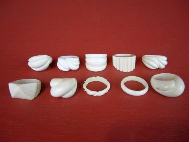 94: A26-1  LOT OF 10 IVORY RINGS
