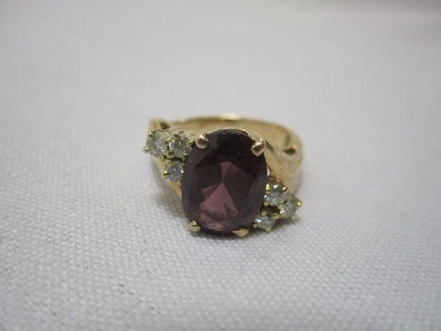 95C: A27-8  DIAMOND & GARNET 14K GOLD RING