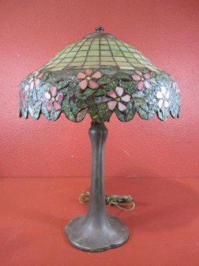 9: A44-3  SIGNED HANDEL LEADED LAMP